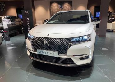 DS Automobiles DS 7 Crossback So Chic BlueHDI 180